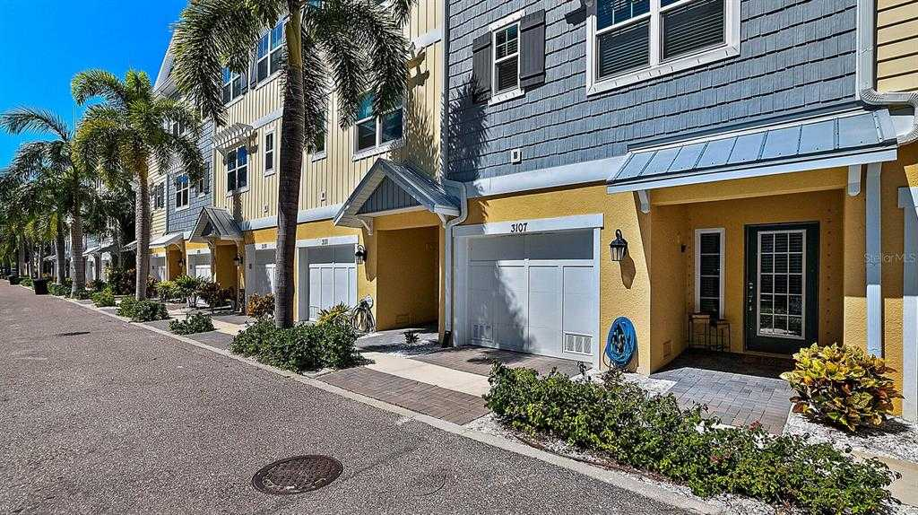 $556,900 - 3Br/3Ba -  for Sale in Cove At Loggerhead Marina, St Petersburg