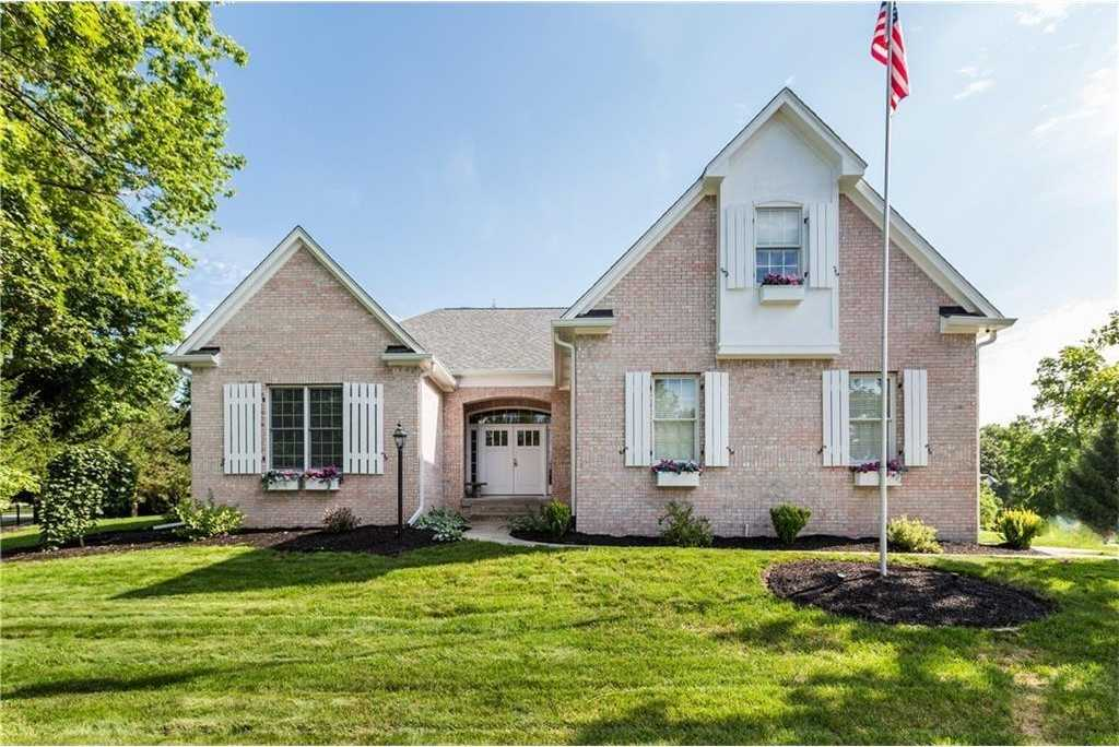 $410,000 - 3Br/2Ba -  for Sale in Huntington Woods, Zionsville