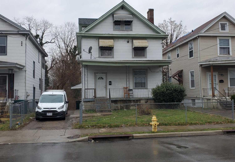 3425 Woodburn Avenue Cincinnati,OH 45207 1696046