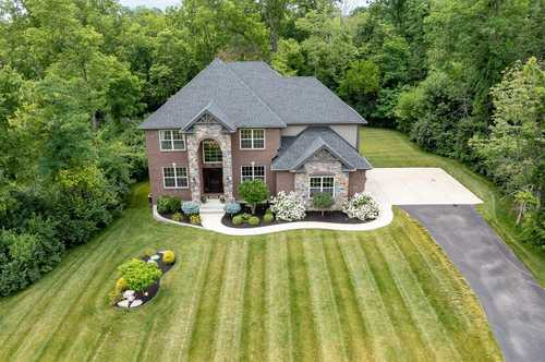 $599,000 - 4Br/4Ba -  for Sale in Foxdale Farms, Clearcreek Twp.