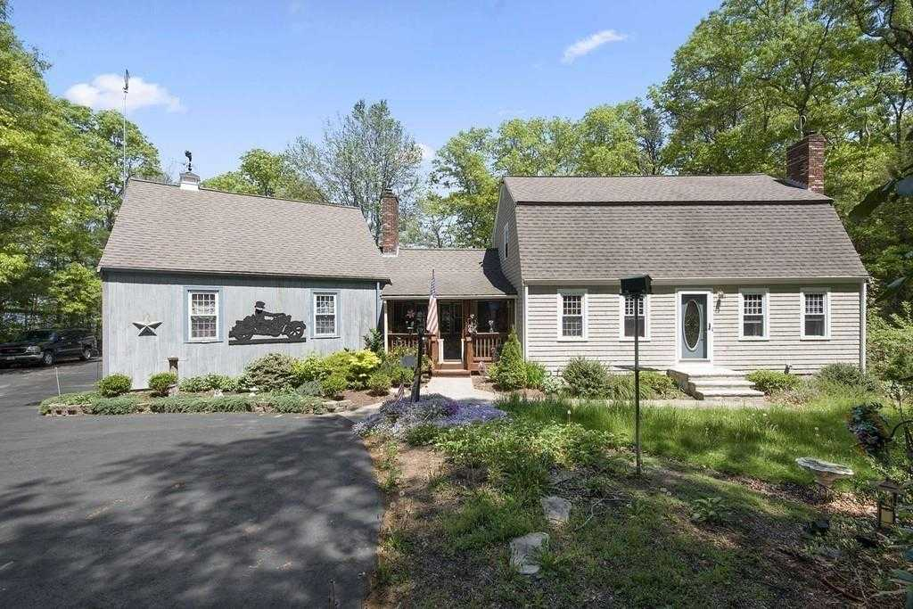$578,000 - 4Br/3Ba -  for Sale in Halifax