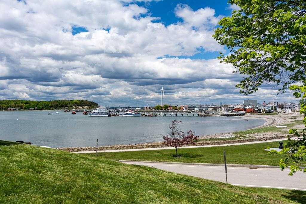 $1,625,000 - 5Br/4Ba -  for Sale in Village - Beach - Wind Mill Point, Hull