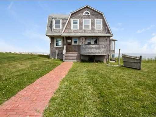 $850,000 - 3Br/2Ba -  for Sale in Hull