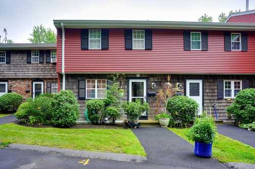 $329,900 - 3Br/2Ba -  for Sale in Marlborough