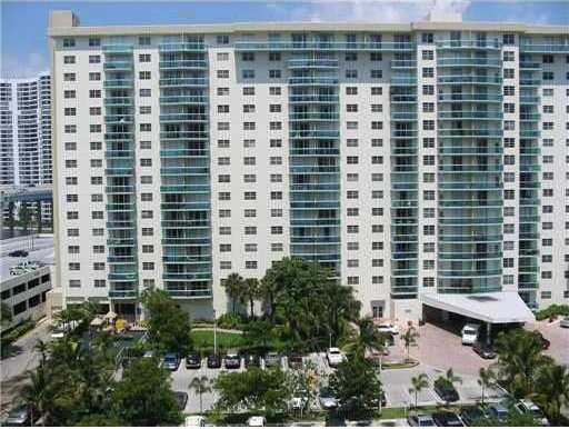 $278,000 - 1Br/1Ba -  for Sale in Sunny Isles Beach