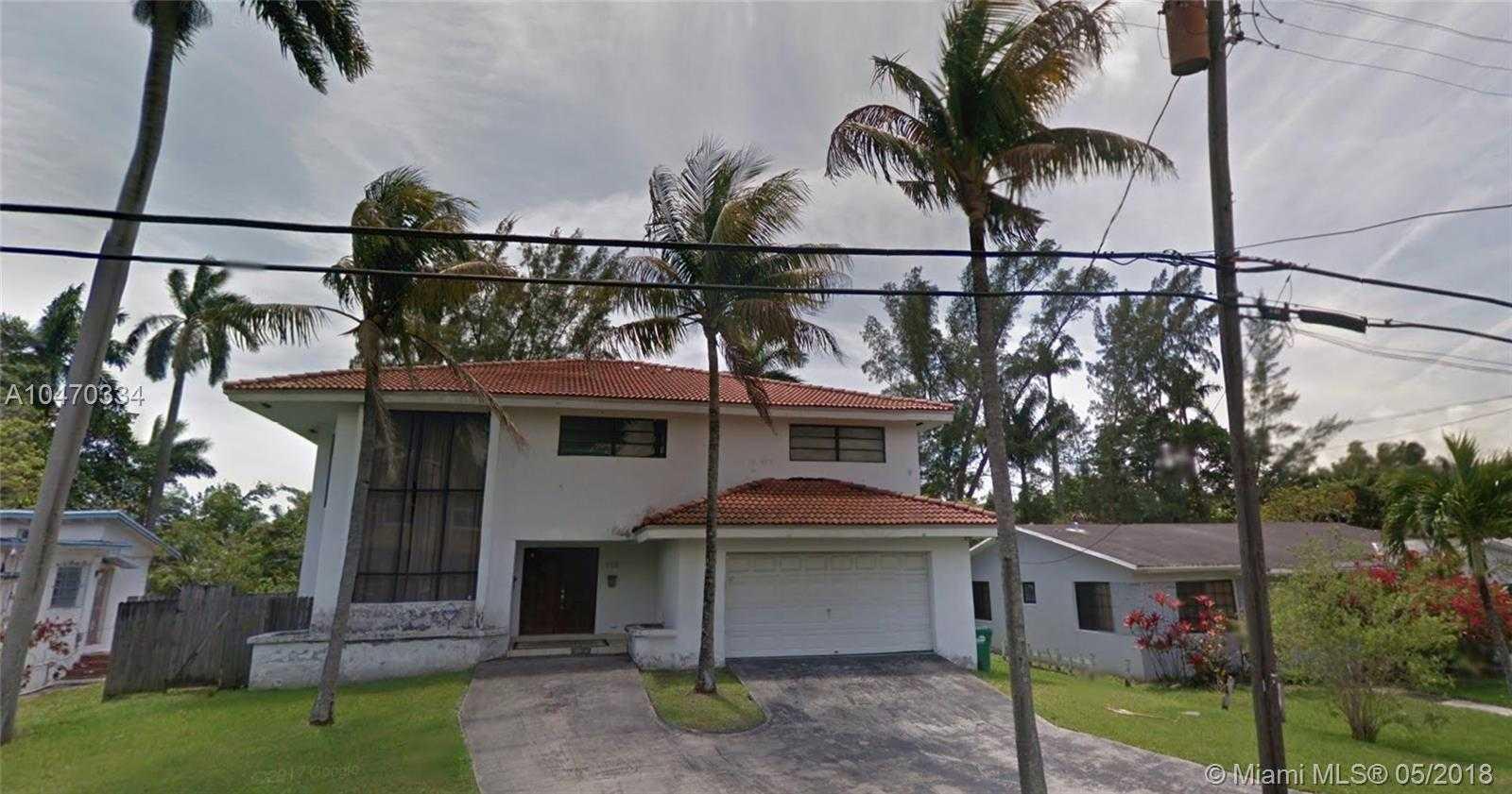 $675,000 - 4Br/5Ba -  for Sale in Tresulee, Miami