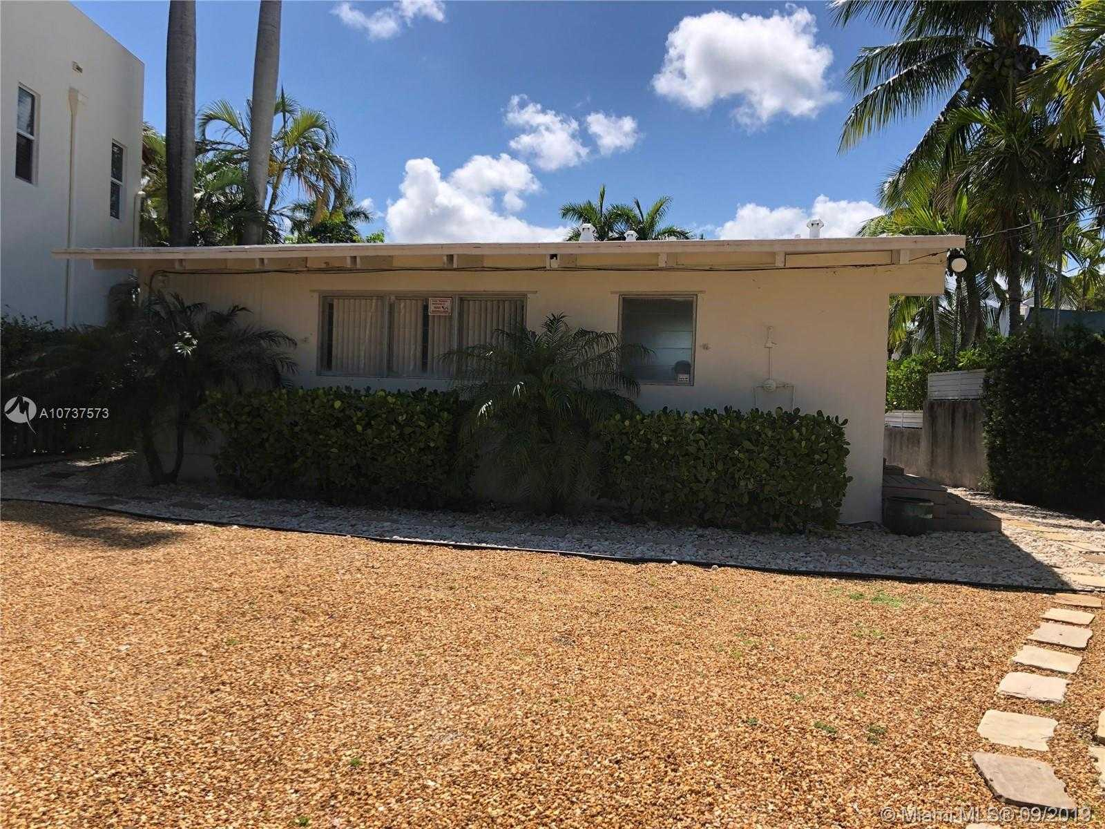 $999,900 - 2Br/2Ba -  for Sale in Victoria Isles, Fort Lauderdale