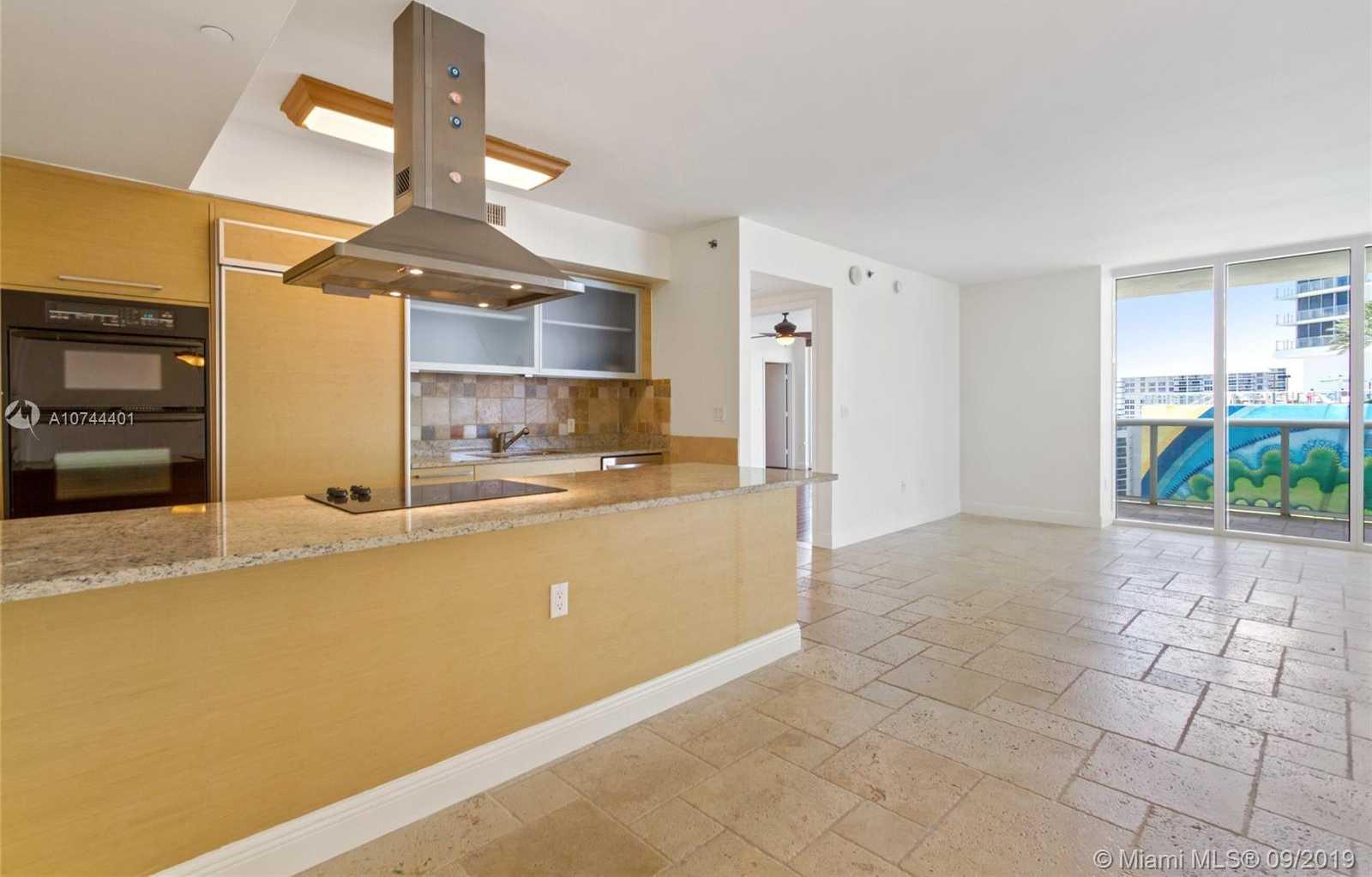 $725,000 - 2Br/2Ba -  for Sale in Beach Club Three Condo, Hallandale