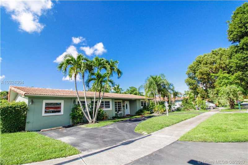 $399,000 - 3Br/2Ba -  for Sale in Palm Springs Lakes, Miami