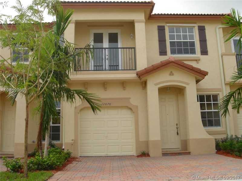 $275,000 - 3Br/3Ba -  for Sale in Kendall