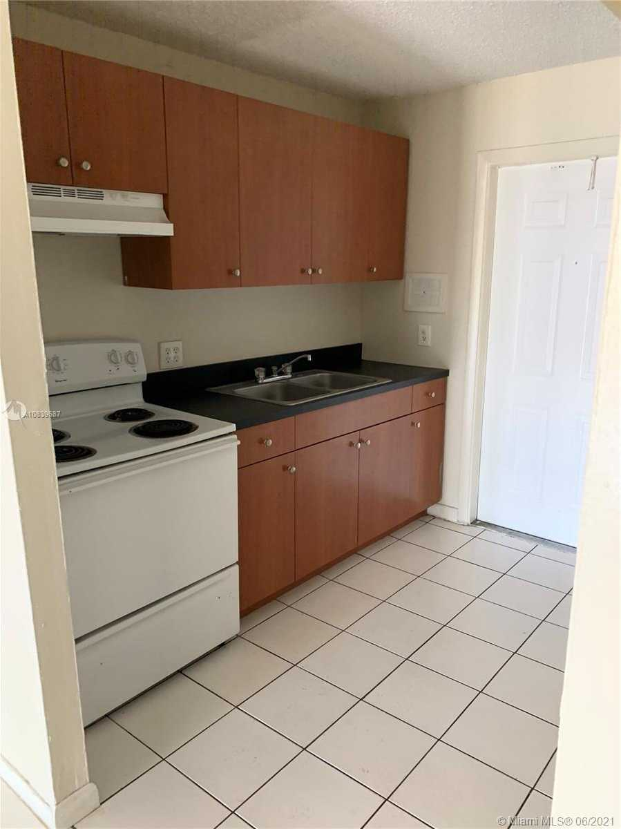 $147,000 - 2Br/1Ba -  for Sale in Courtyards At Cimarron Co, Oakland Park