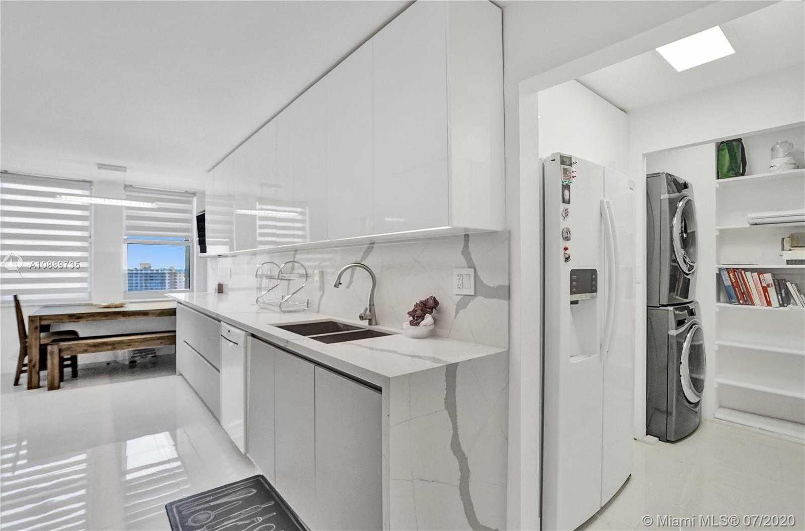 $699,000 - 3Br/3Ba -  for Sale in Malaga, Hallandale Beach
