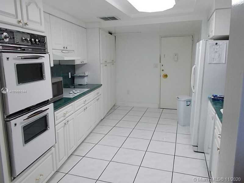 $460,000 - 2Br/2Ba -  for Sale in Imperial House Condo, Miami Beach