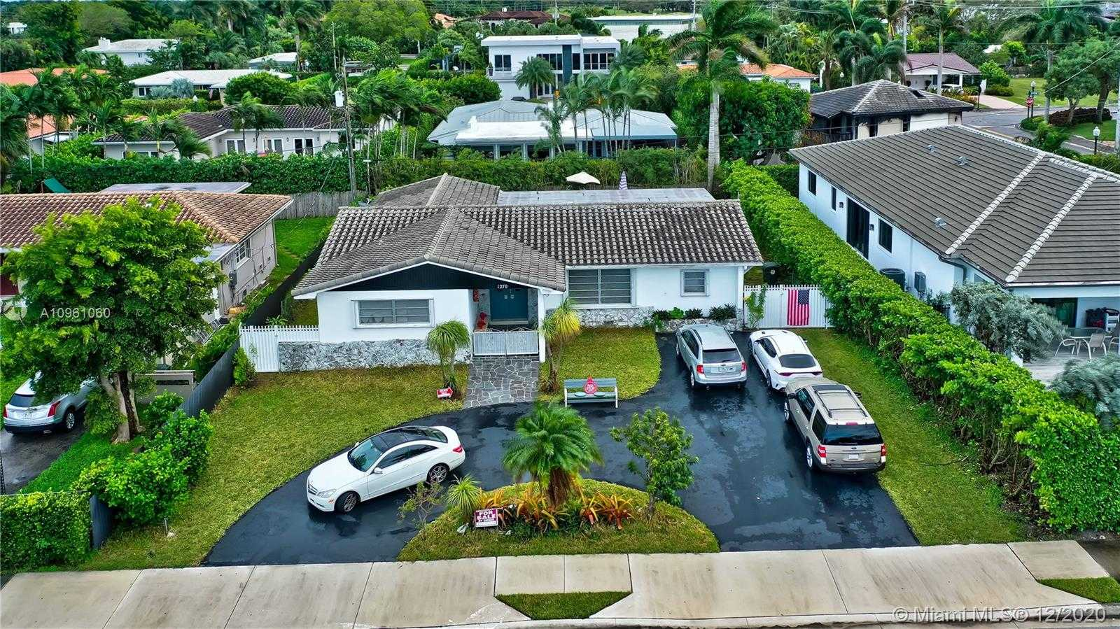 $1,494,500 - 4Br/2Ba -  for Sale in Bay Harbor Island, Bay Harbor Islands