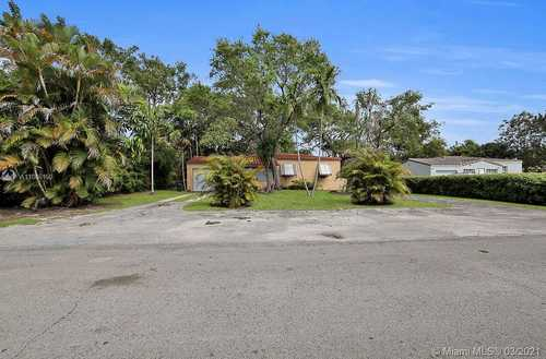 $400,000 - 2Br/2Ba -  for Sale in Priors 1st Addn To Biscay, Biscayne Park