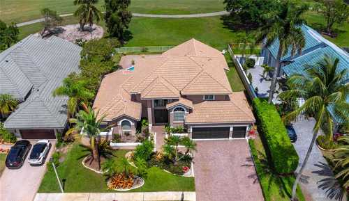 $930,000 - 3Br/3Ba -  for Sale in Hollywood Lakes Country C, Pembroke Pines