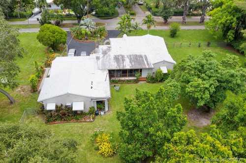 $830,000 - 3Br/3Ba -  for Sale in Biscayne Park Estates, Biscayne Park