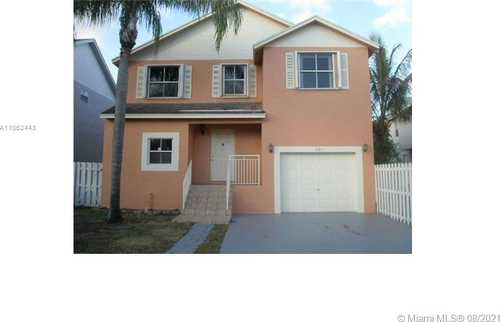 $385,000 - 3Br/3Ba -  for Sale in Coral Lakes, Pembroke Pines