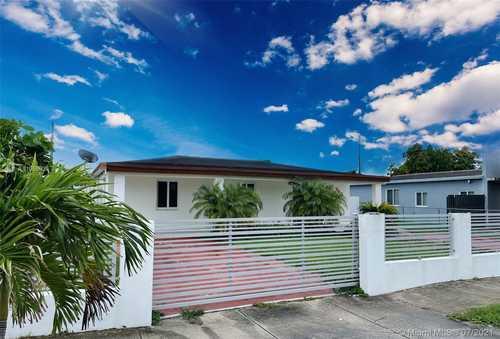 $420,000 - 3Br/2Ba -  for Sale in Linden Gardens, Hialeah