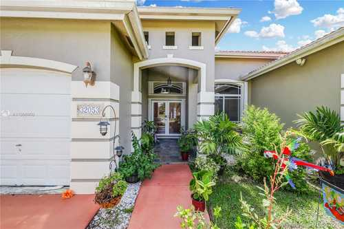 $520,000 - 4Br/3Ba -  for Sale in Emerald Greens Sub, Homestead