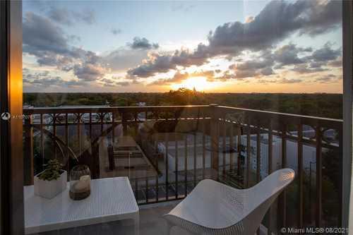 $679,000 - 2Br/2Ba -  for Sale in Merrick Manor Condo, Coral Gables