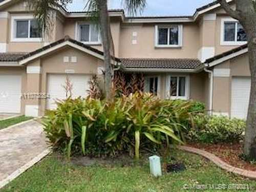 $405,000 - 3Br/3Ba -  for Sale in Hollywood Lakes Country C, Pembroke Pines