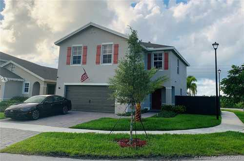 $470,000 - 4Br/3Ba -  for Sale in Royal Homes West, Florida City