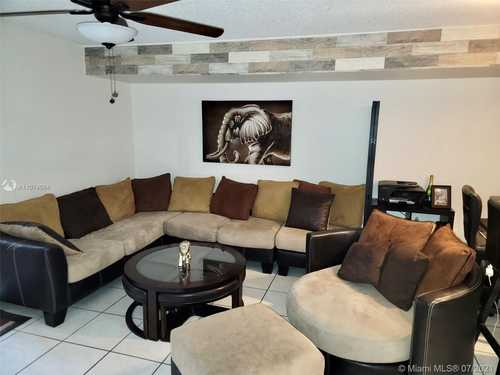 $314,990 - 2Br/3Ba -  for Sale in Royal Townhomes, Pembroke Pines