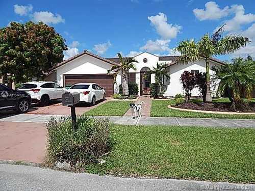 $550,000 - 4Br/3Ba -  for Sale in Mandy Sub, Miami