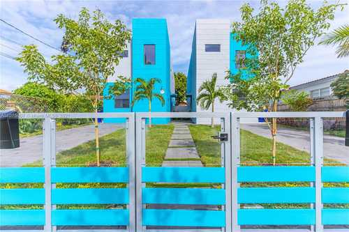 $750,000 - 4Br/4Ba -  for Sale in Kirkland Heights Amd, Miami