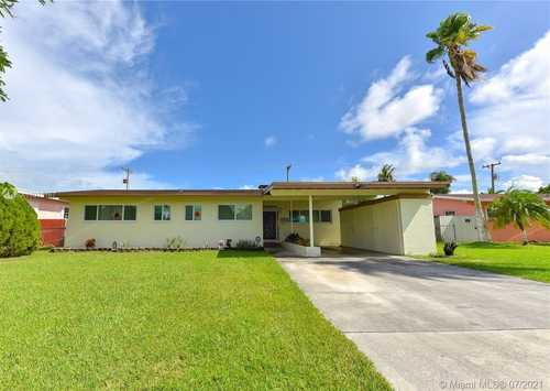 $449,999 - 3Br/2Ba -  for Sale in South Coral Homes Sec 2, Cutler Bay