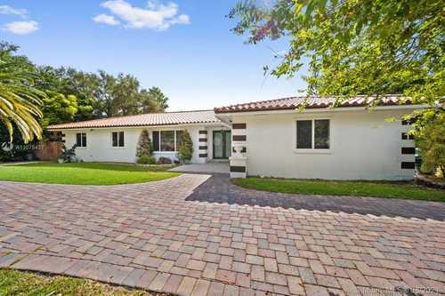 $915,000 - 5Br/3Ba -  for Sale in Ivan Subdivision, Miami