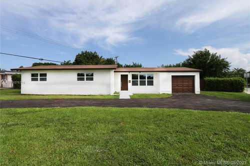 $475,800 - 3Br/2Ba -  for Sale in Franjo Park Sec 1, Palmetto Bay