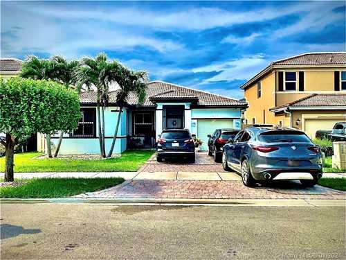 $425,000 - 4Br/2Ba -  for Sale in Villas At Sorrento, Miami