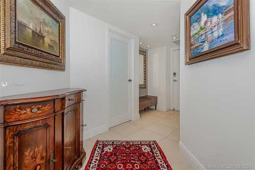 $699,000 - 2Br/2Ba -  for Sale in Brickell Bay Club Condo, Miami