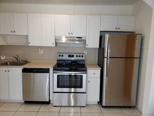 $205,000 - 1Br/1Ba -  for Sale in Doral Gardens Condo, Doral