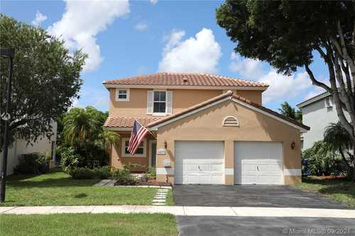 $515,000 - 3Br/3Ba -  for Sale in Dimensions North At Chape, Pembroke Pines