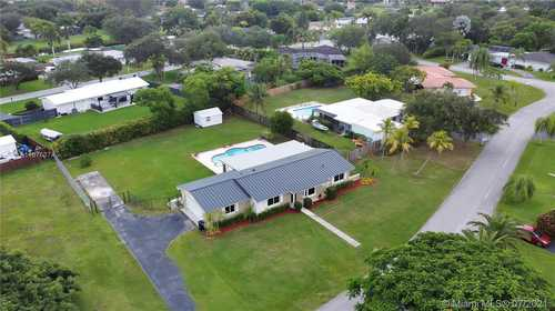 $675,000 - 4Br/2Ba -  for Sale in Old Cutler West Sec Two, Palmetto Bay