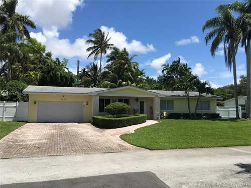 $725,000 - 3Br/2Ba -  for Sale in Southwood, Palmetto Bay