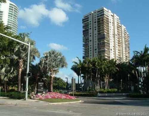 $698,000 - 2Br/2Ba -  for Sale in Brickell Bay Club Condo, Miami