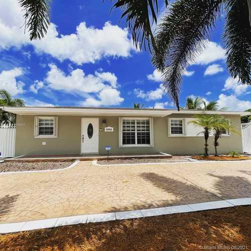 $477,900 - 5Br/3Ba -  for Sale in Carol City Gardens 2nd Ad, Miami Gardens
