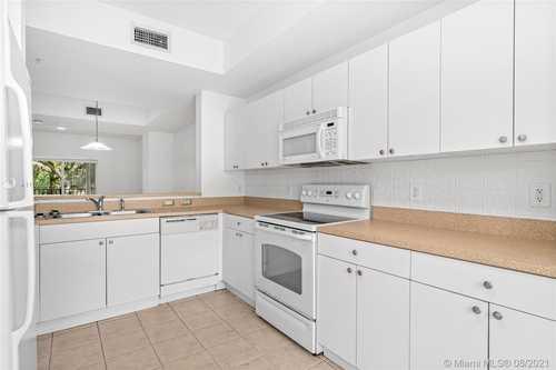 $379,000 - 2Br/2Ba -  for Sale in The Preserve Condo, Miami
