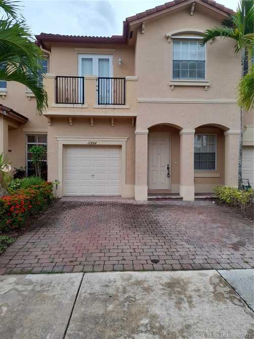 $345,000 - 3Br/3Ba -  for Sale in Courts At Tuscany, Miami