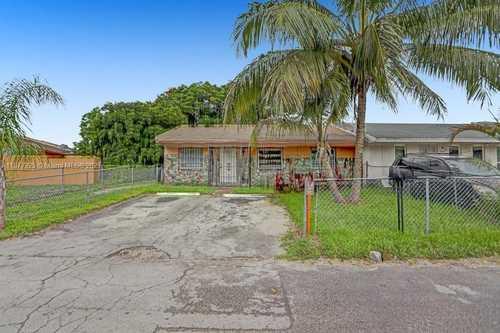 $225,000 - 2Br/1Ba -  for Sale in Leslie Estates Sec 2, Miami Gardens