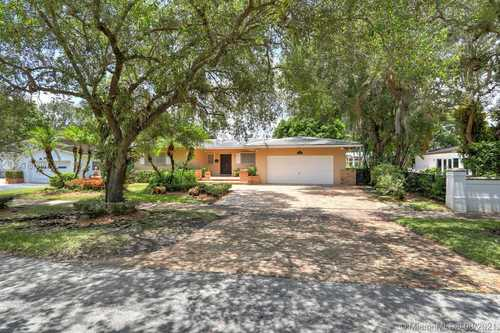 $1,150,000 - 3Br/3Ba -  for Sale in Coral Gables Riviera Sec, Coral Gables