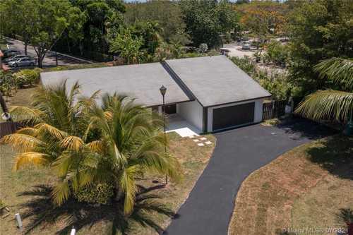 $685,900 - 4Br/2Ba -  for Sale in Timberwood Estates, Miami