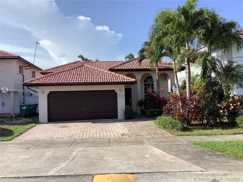$489,000 - 3Br/2Ba -  for Sale in Caribe Lakes Phase Ii, Miami