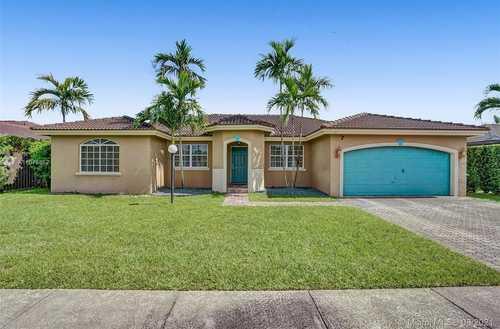 $565,000 - 4Br/3Ba -  for Sale in Kessler Grove Sec 2, Miami