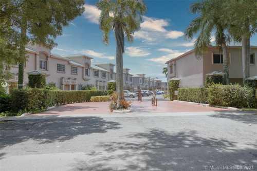 $299,000 - 2Br/3Ba -  for Sale in Hampton Place Condo, Palmetto Bay