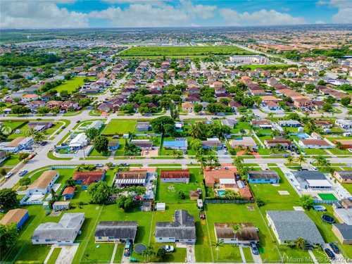 $330,000 - 3Br/1Ba -  for Sale in East Dixie Park 1st Addn, Miami